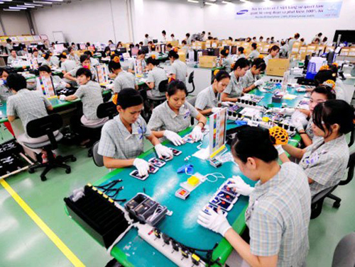 Samsung continues to look for suppliers of screws and battery chargers in Vietnam