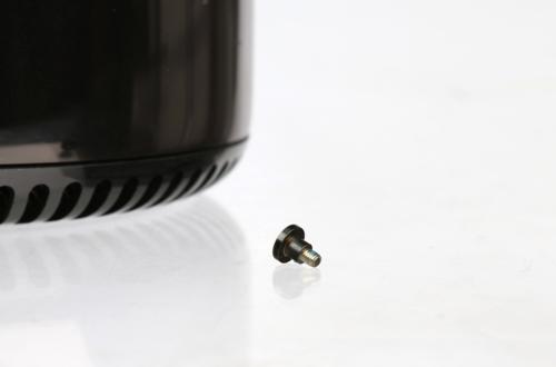Apple không lắp ráp sản phẩm ở Mỹ vì thiếu ốc vít